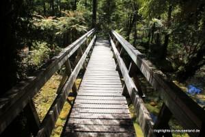 Brücke auf dem Wanderweg