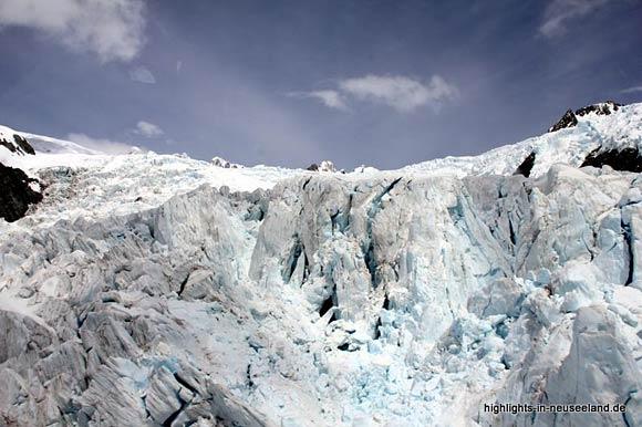 blaues Eis auf dem Franz Josef Gletscher